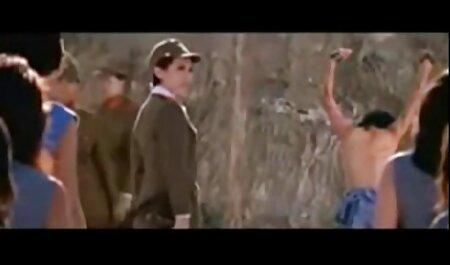若いスキニー Lucianna 女の子 の ため の エッチ 動画 無料 Karelはバナナを食べると肛門が犯される