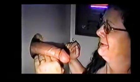 大人の女の子は若い男と性交するのが好きで、ラフで終わります 女の子 の ため の えっち 動画