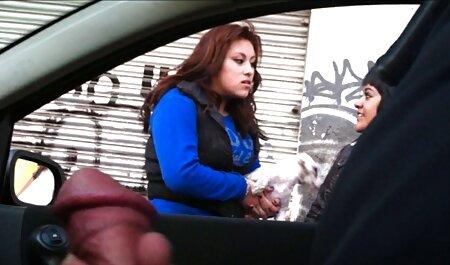 若い雌犬はテーブルの上に置かれ、多くの人々に犯された 女の子 の ため の h 無料 動画