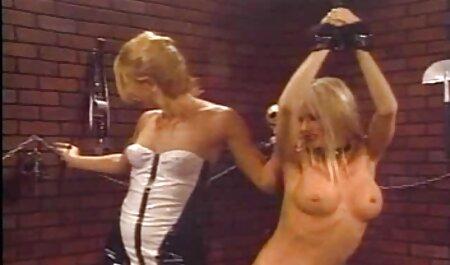 成熟した雌犬Bridgette 女の子 専用 無料 エロ 動画 Bは、パーティーの前に彼女の夫によって犯さ肛門を取得