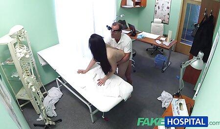 パーティーは寮で生徒達の乱交で終わります。 女の子 の ため の 無料 アダルト 若い人たちは、性的にリラックスして、カメラのレンズの前で自分の体にしたいことをする方法を知っています