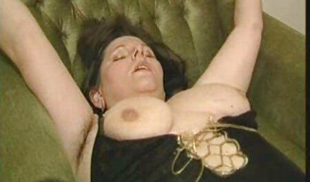 ケリー井戸は彼女の彼氏の陰茎を吸ってセクシーなナイロン 女の子 の ため の エロ 動画 無料