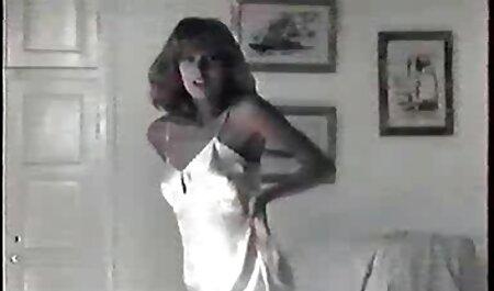 美しいブルネットねじ込み彼女の滑りとディルド 女の子 向け エッチ 無料 動画